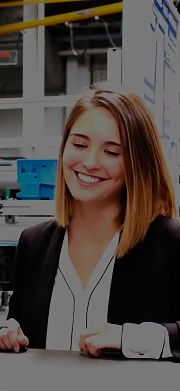 Female Bosch Rexroth employee