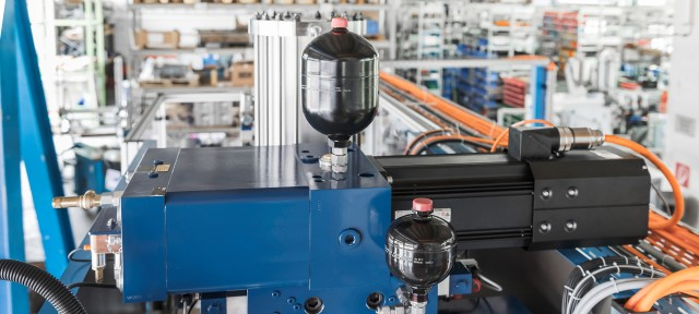 Self-contained Hydraulic Actuators