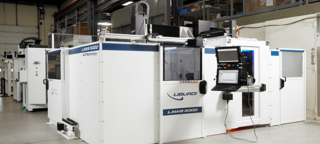 The fully automated three-axis system in the Liburdi welding system.
