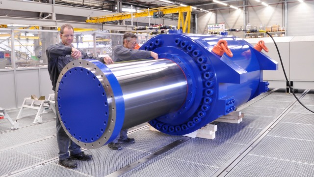 Large Cylinder in any size, with any power, in any circumstance