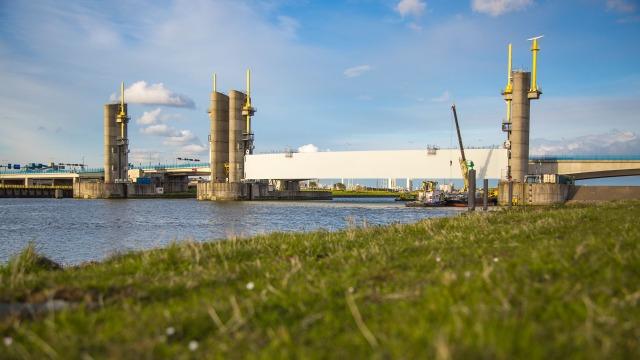 Coastal protection Hartel Barrier