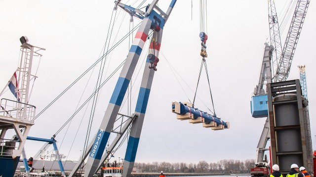 Cylinder for Piling Barge solutions